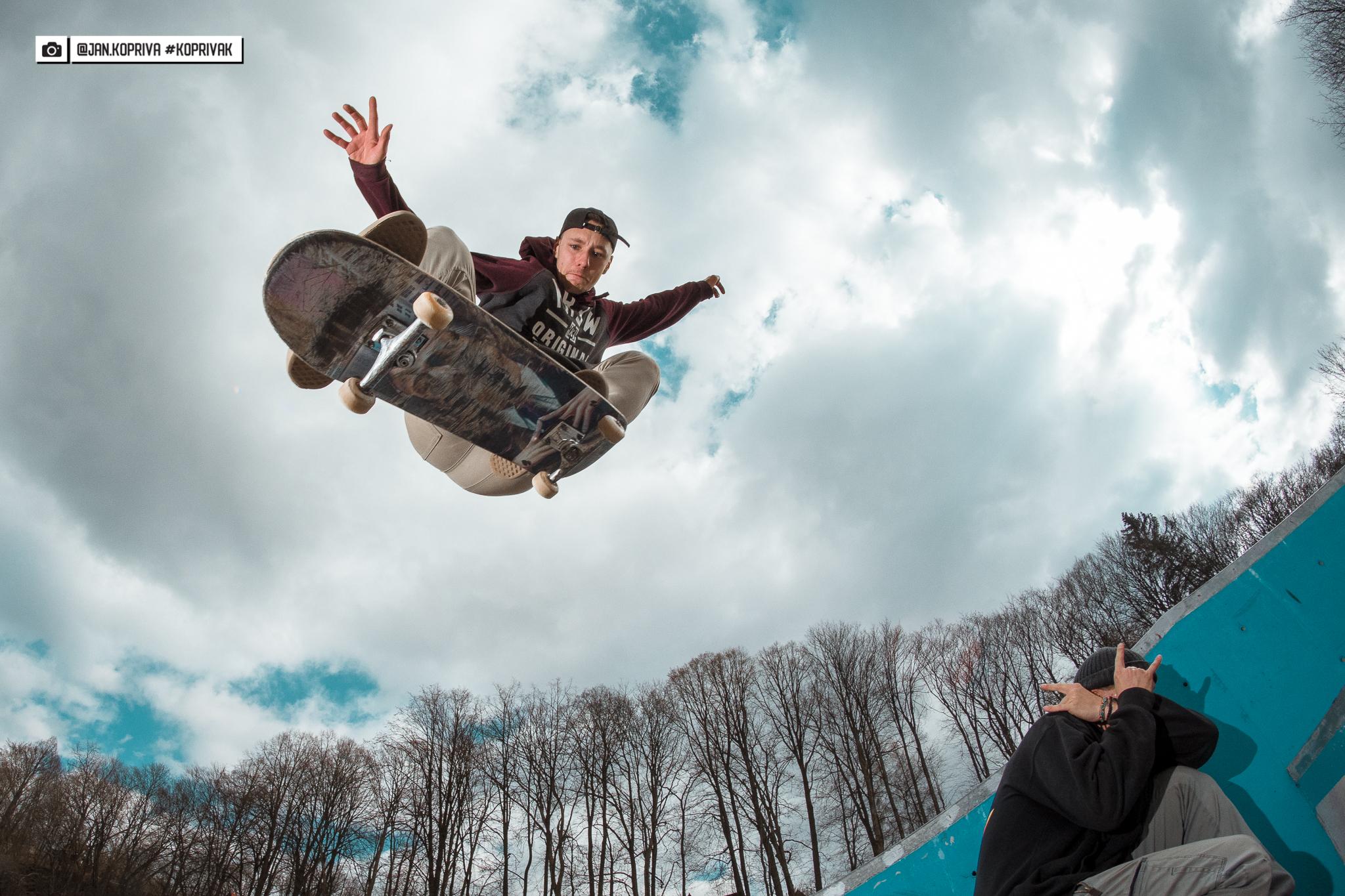 Martin Beránek a Lukáš Dymák skateboarding